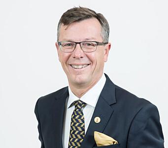 Sittende rektor, Dag Rune Olsen, fremhever at den som vil blir rektor må bygge lag - og tåle å stå i søkelyset alene.