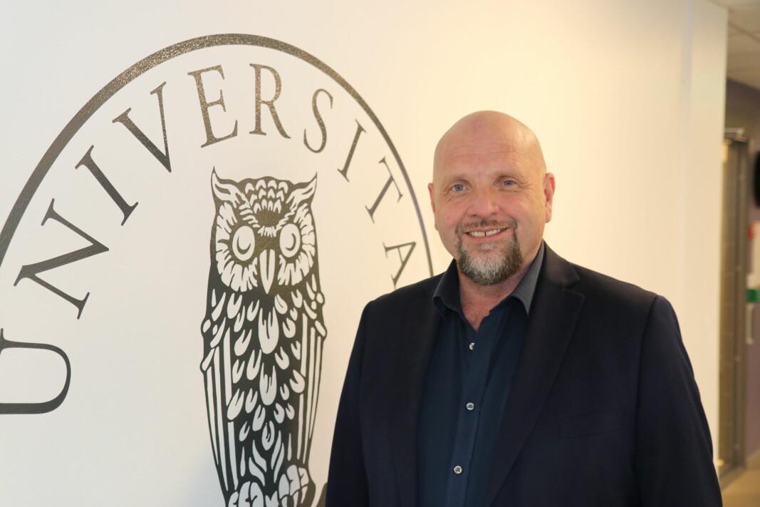 Kommunikasjonsdirektør Tor Godal ønsker ansatte og studenter velkommen til På Høyden.