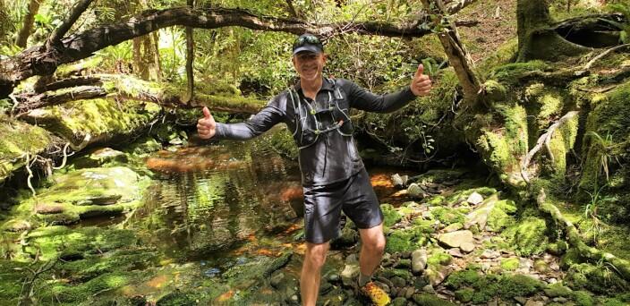 Løping er viktig for Rastad. Her fra en løpetur i jungelen i New Zealand, på en gammel gjengrodd gullgraversti. 6 timer uten mobildekning i krevende fjell og jungel, store deler uten sti, og med lite merking.