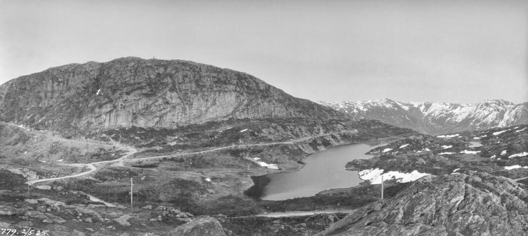Blåmanen og Blåmansvatnet i 1925. I dag ligger Brushytten i dette området omringet av tett skog!