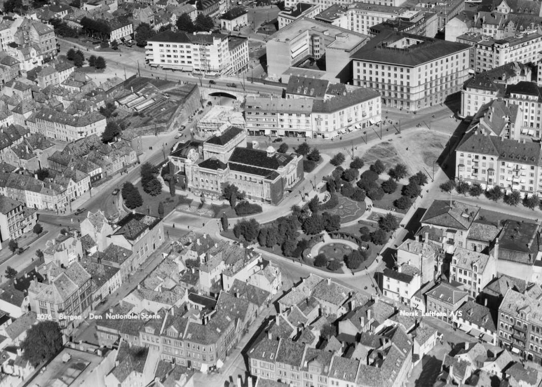 Bebyggelsen rundt Engen slik det så ut i 1935. Dette bilde ble brukt da Jonsvollkvartalet skulle utbygges.