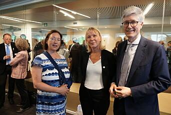 Fra åpningen av Norwegian House of Research and Innovation i mai 2019. Fra venstre: Ingrid Schulerud, daværende ambassadør ved Norges ambassade i Brussel, prorektor ved UiB, Margareth Hagen og Rolf Einar Fife, Norges ambassadør til EU og leder av EU-delegasjonen.