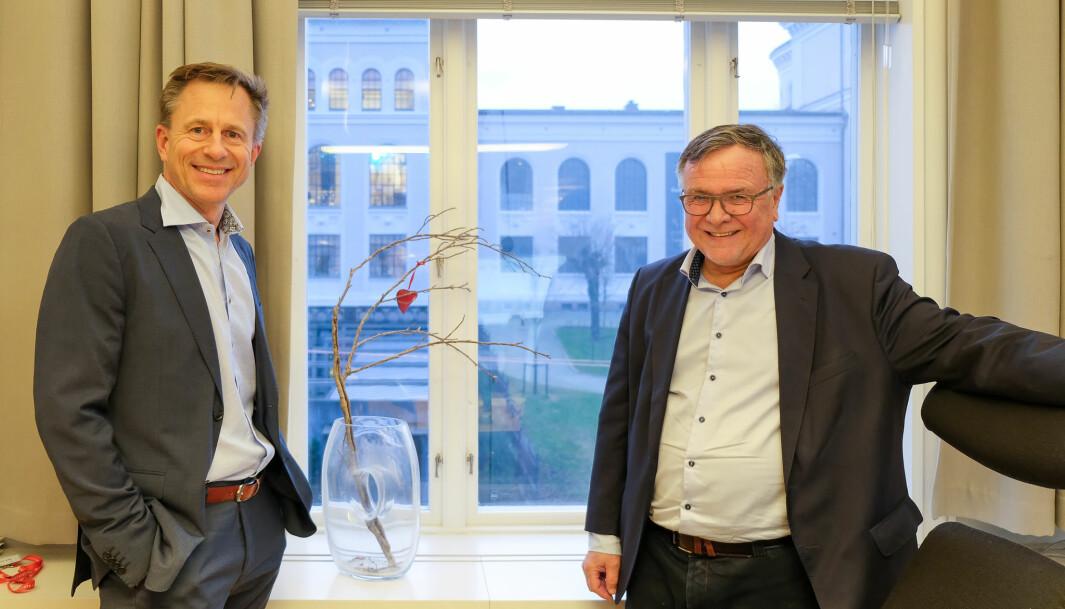 Kjell er klar for å overlate kontorstol og -utsikt til Robert Rastad som overtar som universitetsdirektør i januar 2021.