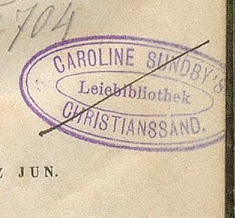Merke til Carolin Sundbys leiebibliotek som opererte i Kristiansand i siste kvartal av 1800-tallet.
