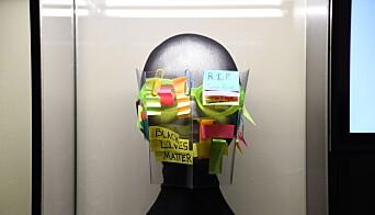 The YHB Pocket Protest Shield av kunstneren Leonardo Selvaggio.