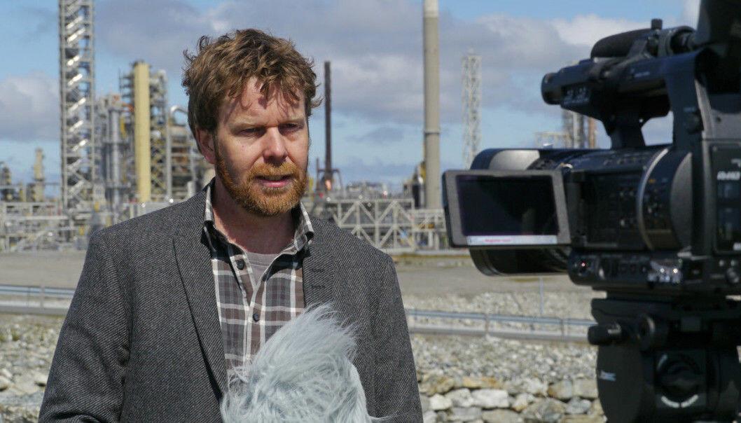 Etter lanseringen av FNs klimarapport har professor Asgeir Sorteberg fått mye medieoppmerksomhet. Her på Mongstad ved en tidligere anledning.