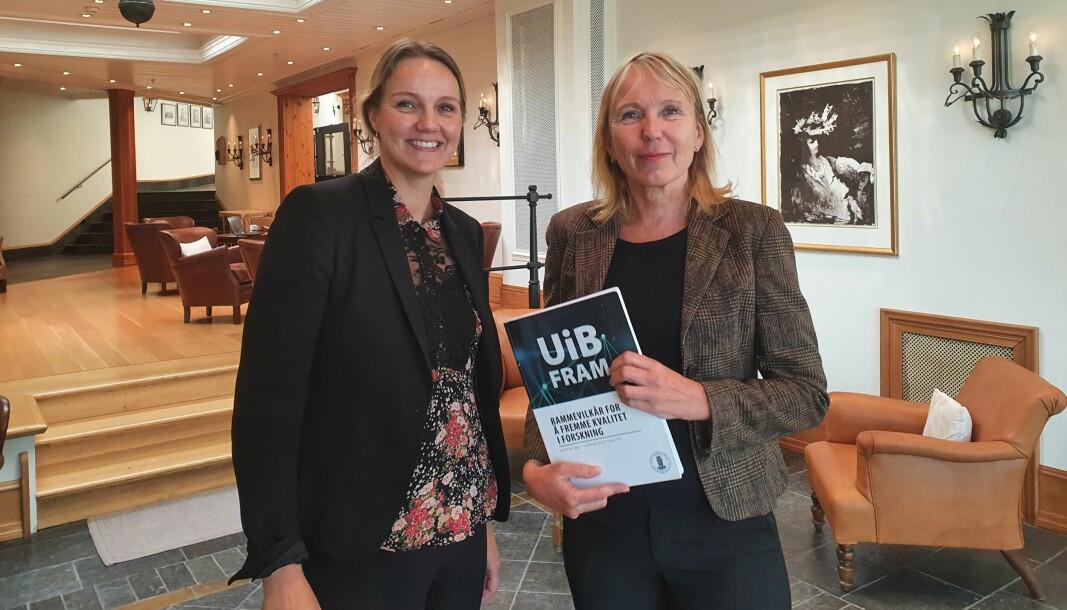 Forskningsdirektør Benedicte Løseth og rektor Margareth Hagen etter at de presenterte UiB FRAM-rapporten for dekanene.