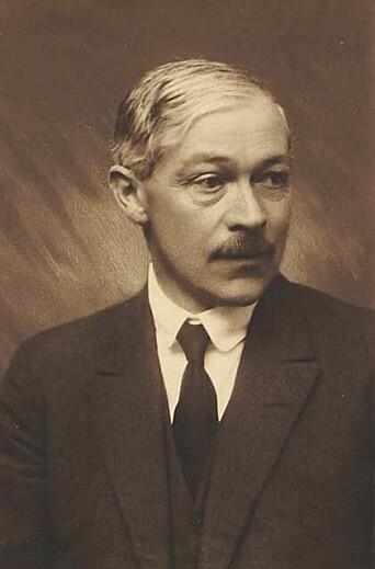 Nansen advarte Haakon Shetelig mot forskningsmiljøet i Bergen. Her, professor Shetelig, som i mange år arbeidet ved Bergens Museum.